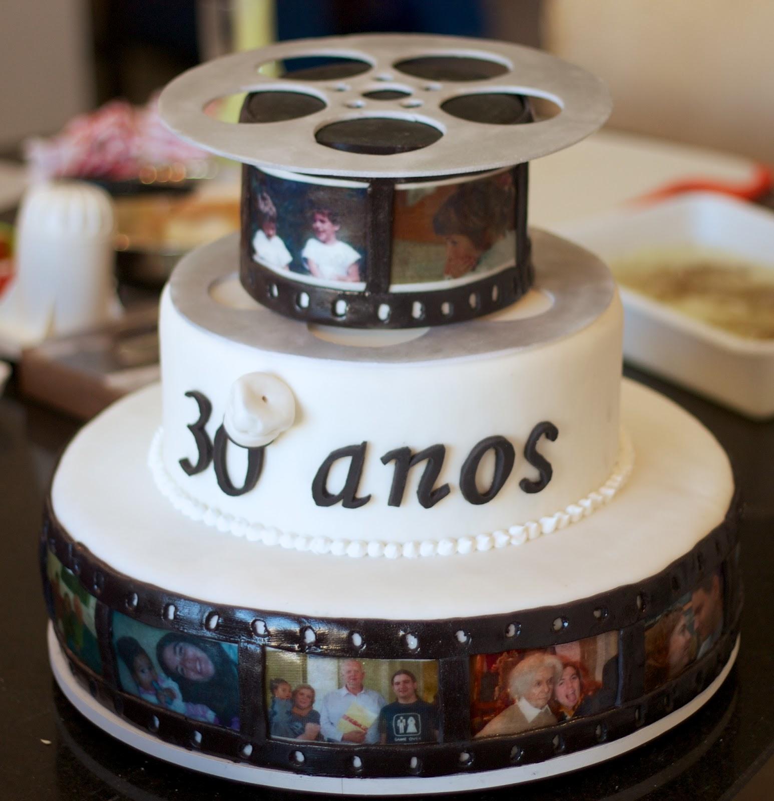 Paty designer de bolos bolo de aniversrio de 30 anos bolo aniversrio com fotos ganache chocolate filme cinema altavistaventures Gallery