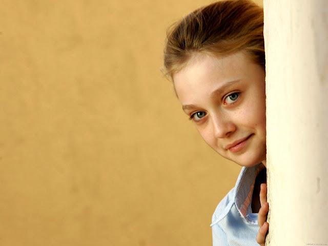 Dakota Fanning Wiki and Pics