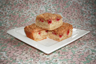 Raspberry and apple crumble squares