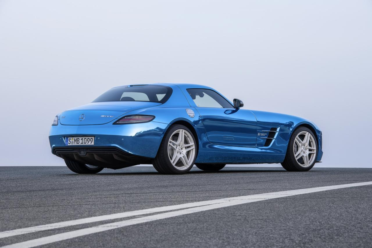 [Resim: Mercedes-Benz+SLS+AMG+Coup%C3%A9+Electric+Drive+2.jpg]
