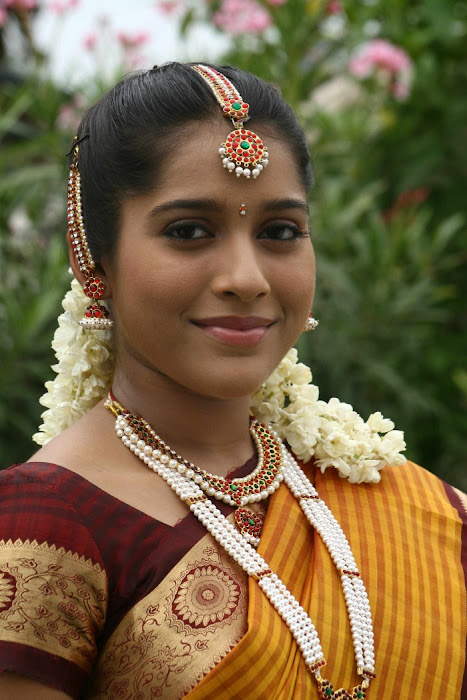 rashmi gautham tight saree girls hot images