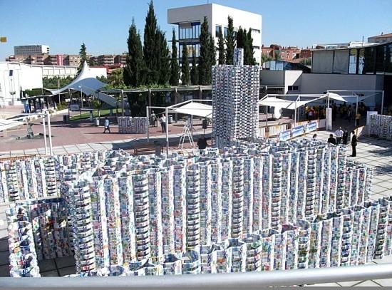 Kastil Ini Terbuat Dari 50.000 Dus Susu [ www.BlogApaAja.com ]