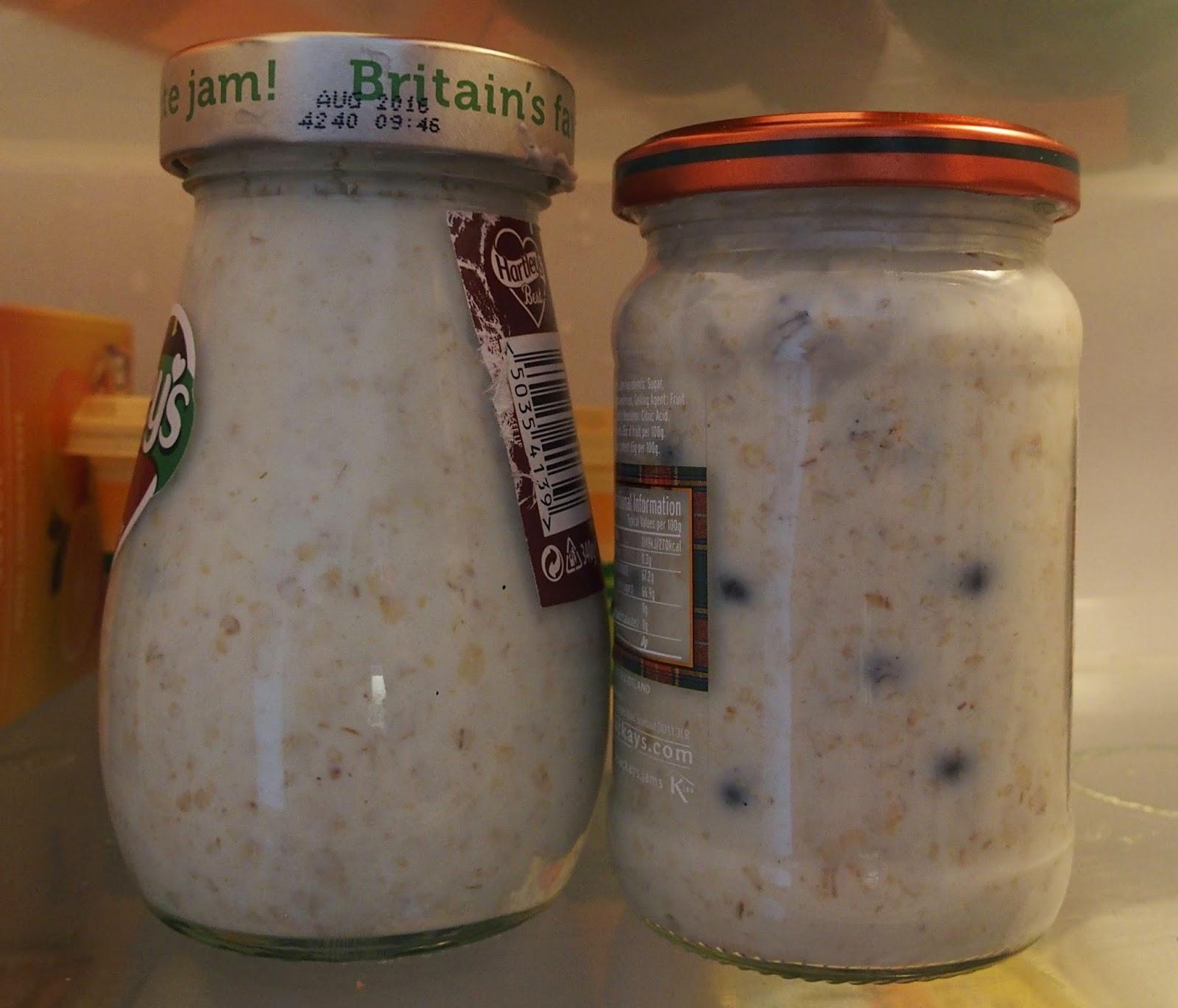 Breakfast porridge pots