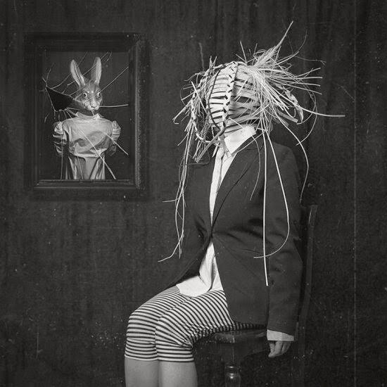 Lotta van Droom fotografia surreal onírica sombria sonhos