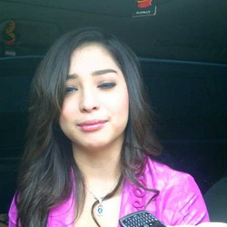 Nikita Willy Parents http://carsgirls99.blogspot.com/2011/07/indonesian-artist-news-nikita-willy.html