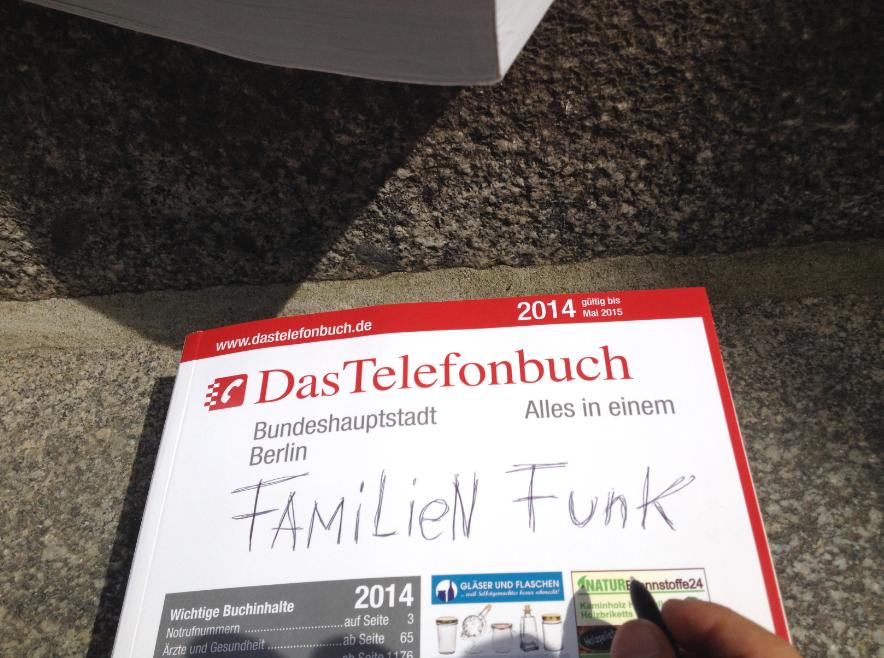 Das Telefonbuch beim Familienfunk