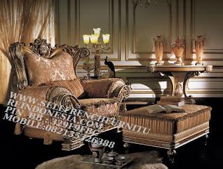 Jual mebel jepara,mebel ukir jati jepara,sofa jati jepara furniture mebel ukir jati jepara jual sofa tamu set ukir sofa tamu klasik set sofa tamu jati jepara sofa tamu antik sofa jepara mebel jati ukiran jepara SFTM-55034 Sofa Turki Klasik Jati