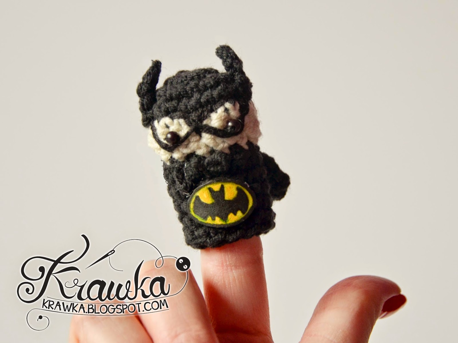 Krawka: Cute set of crochet finger puppets with FREE patterns. Justice League : Batman