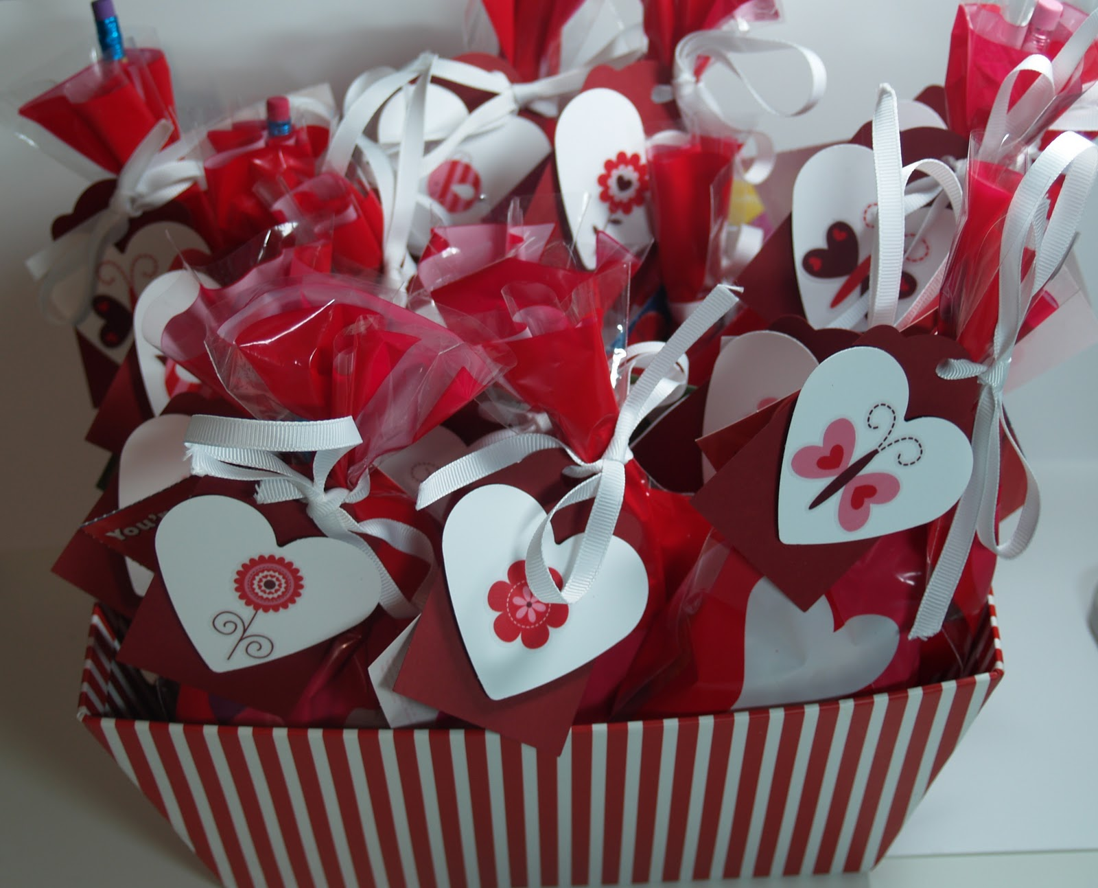 happy valentines day ead designs weekly monday hop - Valentine Bags For School