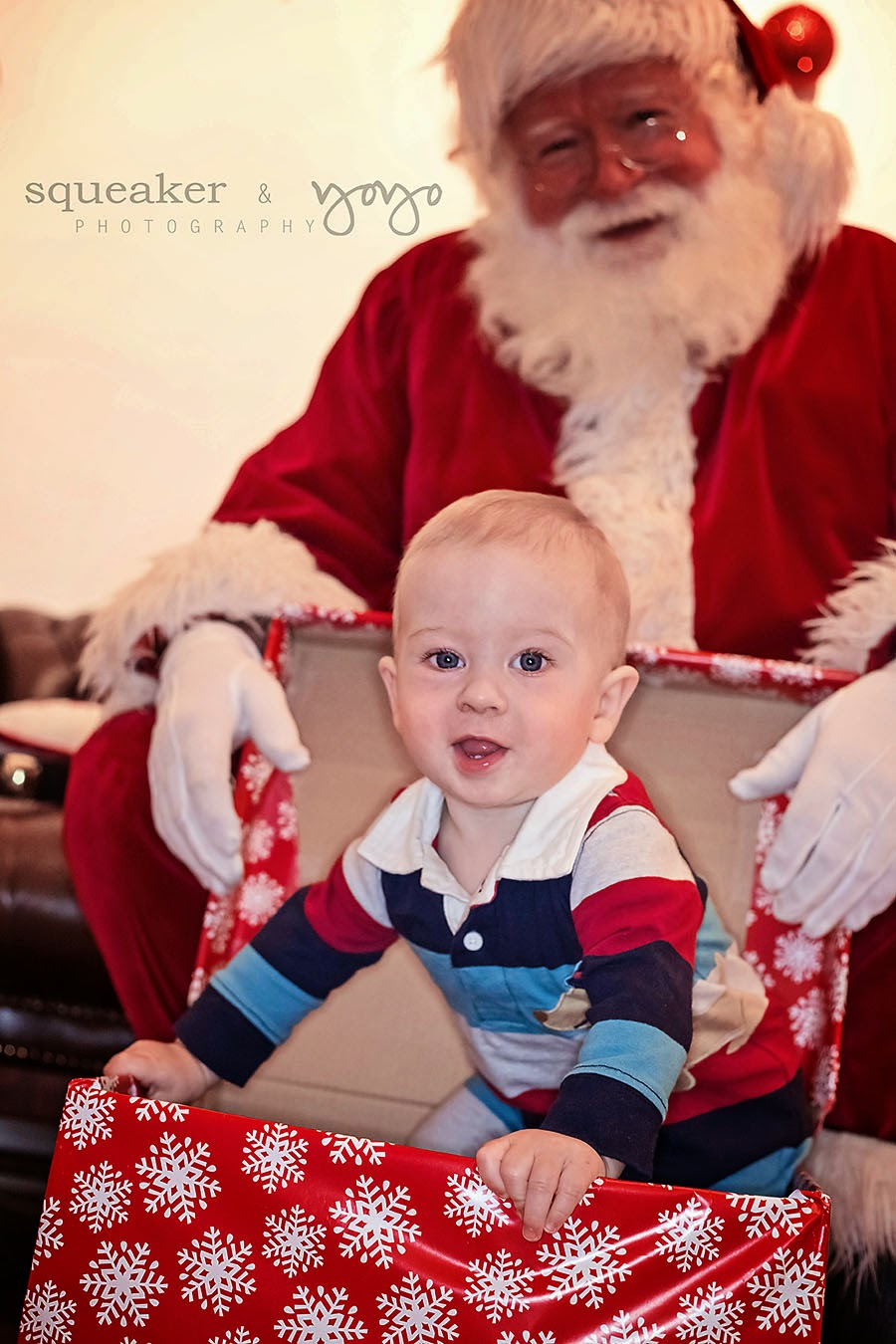 Private Santa Visit, Santa Experience, Ontario, Santa photos, meet Santa, Christmas Photos, Holiday Card Photos
