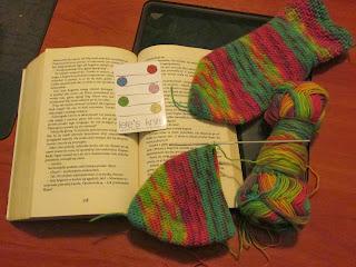 Yarn Along, czyli wspólne dzierganie i czytanie