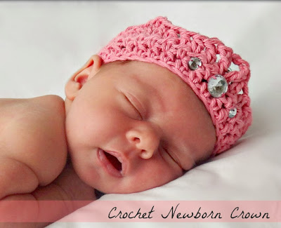 http://www.domesticblisssquared.com/2013/11/crochet-newborn-crown-free-pattern.html