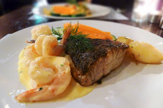 Barramundi with garlic prawns
