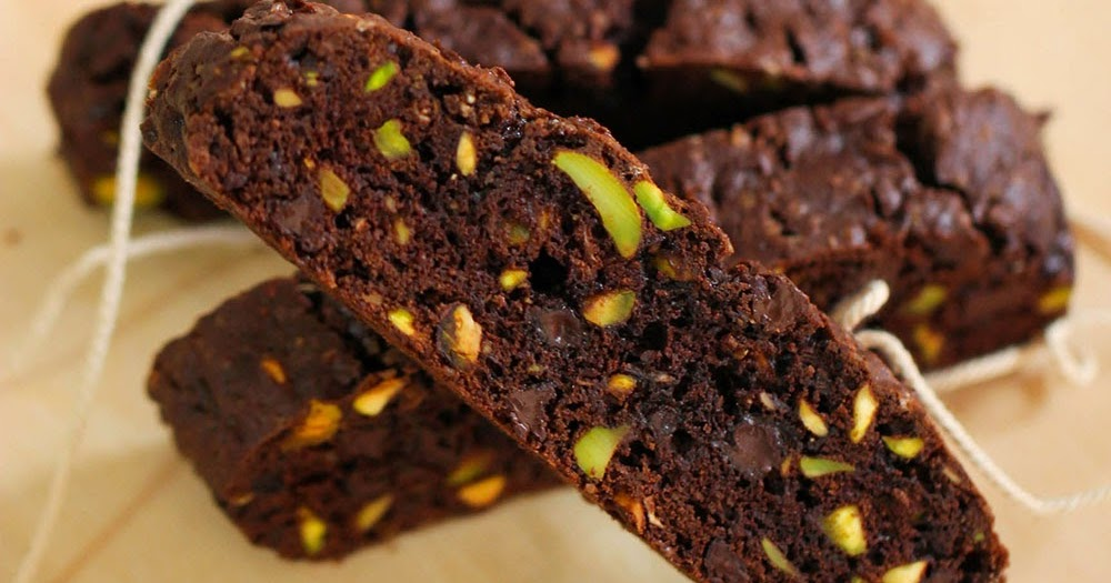 dailydelicious: Cantuccini Chocolate and pistachio