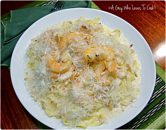 Fettuccine and Prawns in Roasted Garlic Cream Sauce