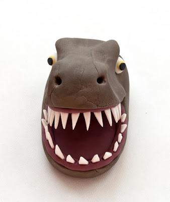 Dinozaver iz tičino mase - Dinosaur fondant