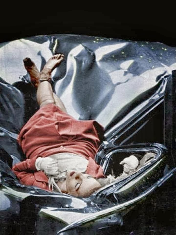 Evelyn McHale, colored photo.