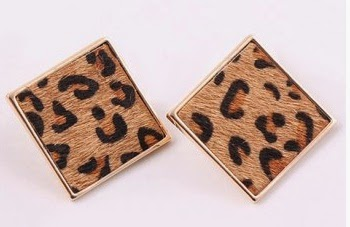 http://www.dresslily.com/leopard-pattern-quadrate-earrings-product557179.html