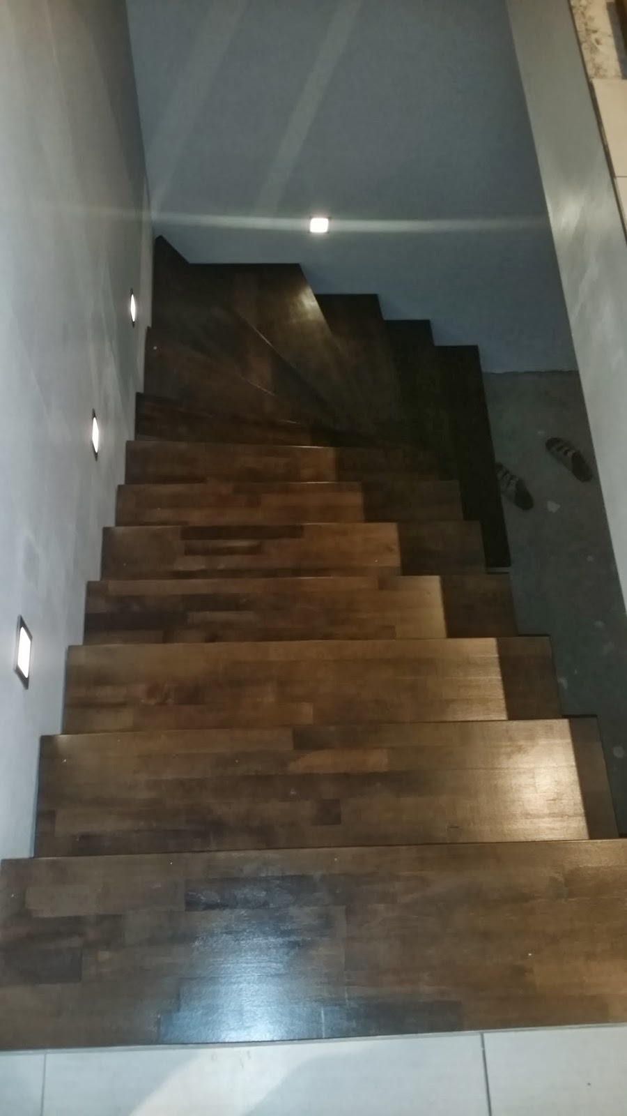 keksdose wir bauen ein pro haus ausbau der kellertreppe. Black Bedroom Furniture Sets. Home Design Ideas