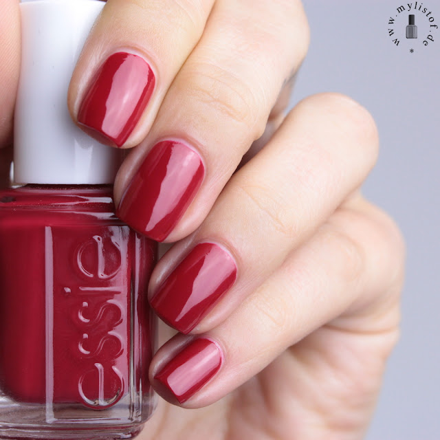 Essie Shall We Chalet Winter 2015 LE Swatch