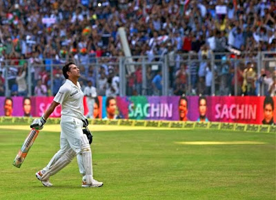 Sachin Tendulkar walks back to the pavilion in his final test match, November 15, 2013, Wankhede Stadium, Mumbai