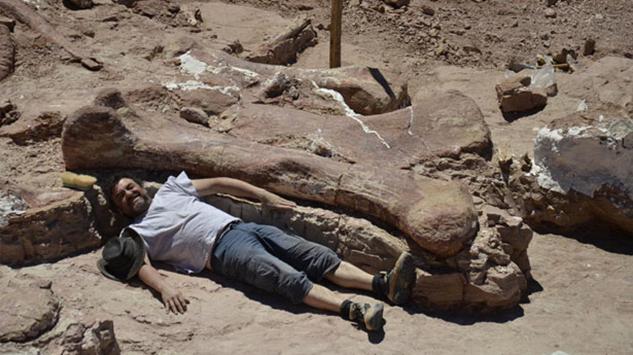 Saintis Jumpa Tulang Dinosaur Gergasi