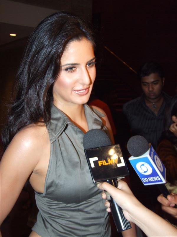 Katrina kaif showing boobs can not