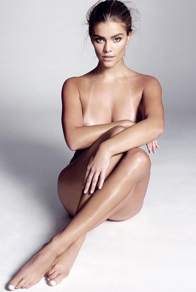Nina Agdal sigue posando desnuda