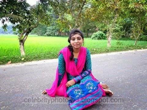 Bangladeshi%2BNormal%2BVillage%2BGirls%2BLatest%2BPhotos005