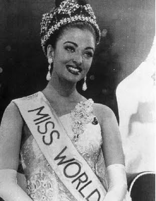 Aishwarya Rai Miss World with crown