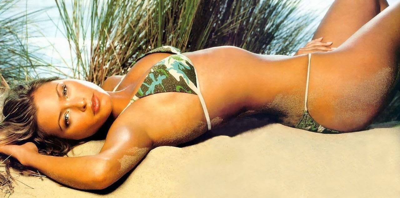 How she holly valance in bikini