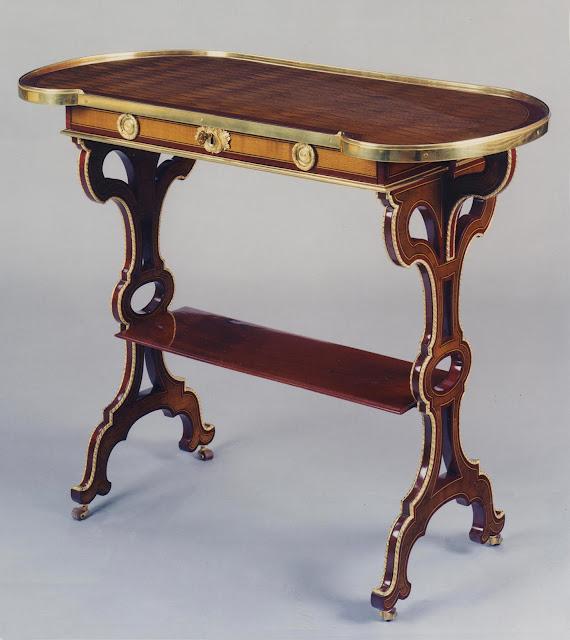 Jean-Henri Riesener, small table  Paris, Louis XVI period, between 1786 and 1788.