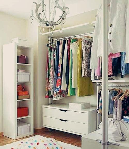 Quarto pequeno com closet aberto obtenha for Armarios pequenos baratos