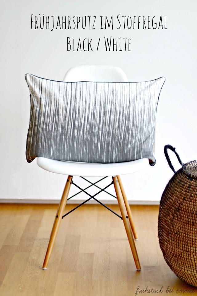 Stuhl mit Kissen in Schwarz weiß und Naturbast Korb Frühstück bei Emma