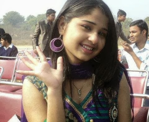 Bangladeshi+Hot+Girl+posing+with+her+transparent+dress+showing+navel003