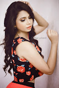 Shreya gupta new glamorous photos-thumbnail-5