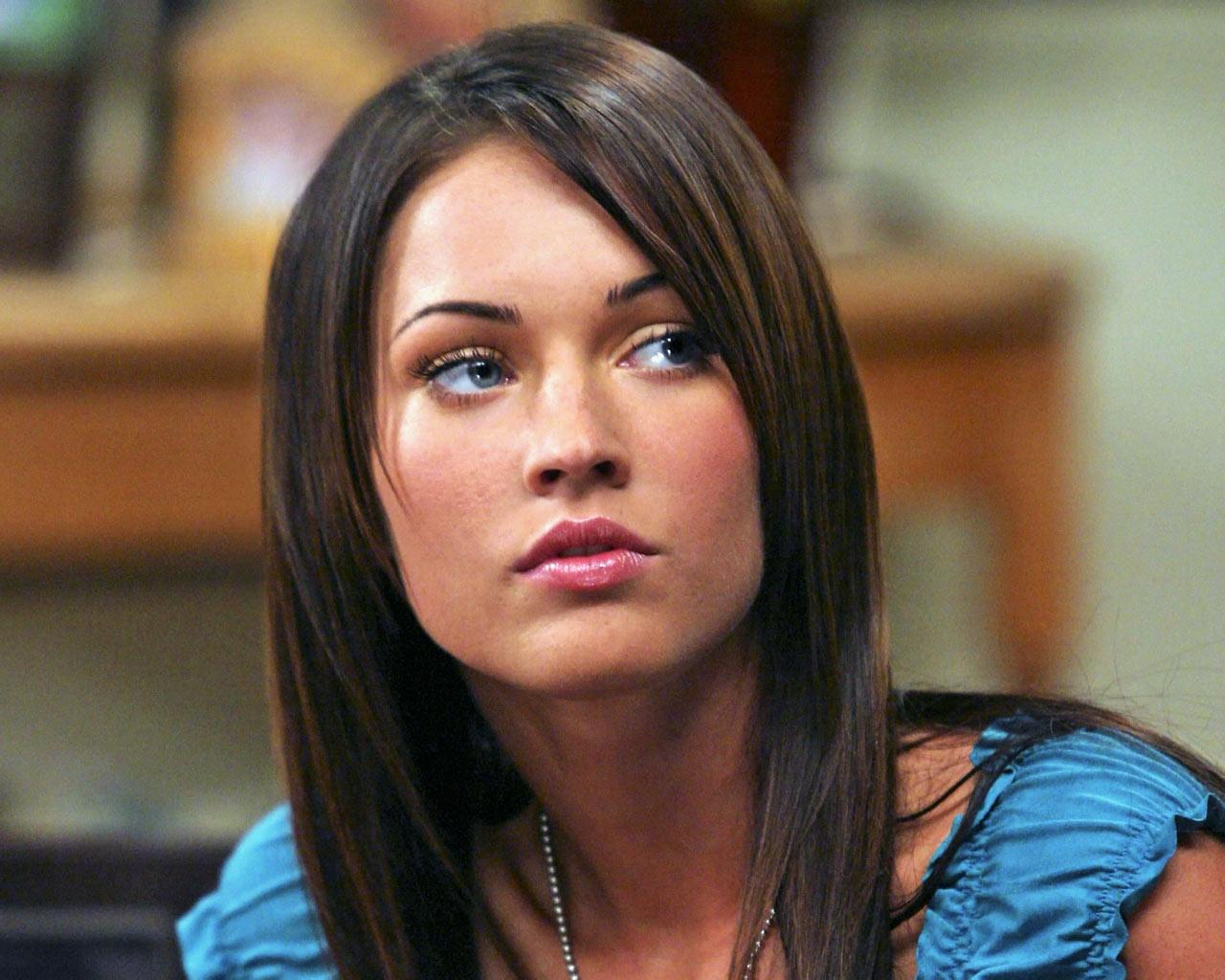 http://4.bp.blogspot.com/-5x4BB0A1BpA/Th8CobTEg6I/AAAAAAAAAcA/EwwyFda-YXY/s1600/Megan-Fox_4.jpg