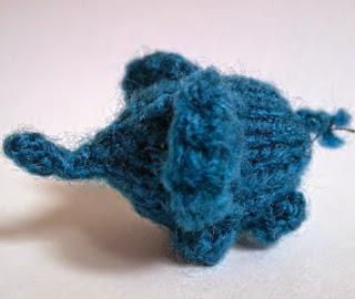 http://translate.google.es/translate?hl=es&sl=en&tl=es&u=http%3A%2F%2Fthenimblemouse.blogspot.co.uk%2Fp%2Fteeny-tiny-elephant_27.html