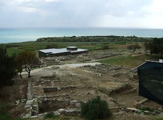 Bild 5: Blick von oberhalb des antiken Theaters über das Ausgrabungsgelände