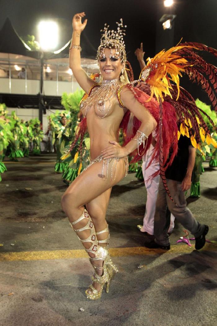 karnaval-rio-de-zhaneyro-eroticheskie