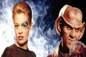 Pasangan Ini Nikah Ala Klingon Star Trek | TopiK Terbaru