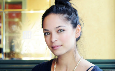 Actress Kristin Kreuk HQ Wallpaper-05-1440x1280