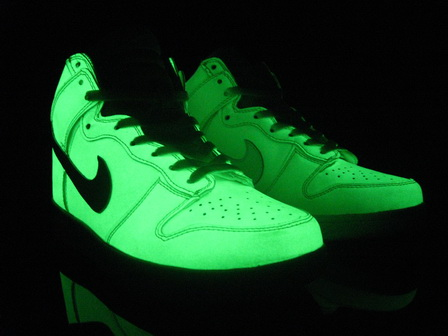 glow in the dark converse transparent shoes x glowing. Black Bedroom Furniture Sets. Home Design Ideas