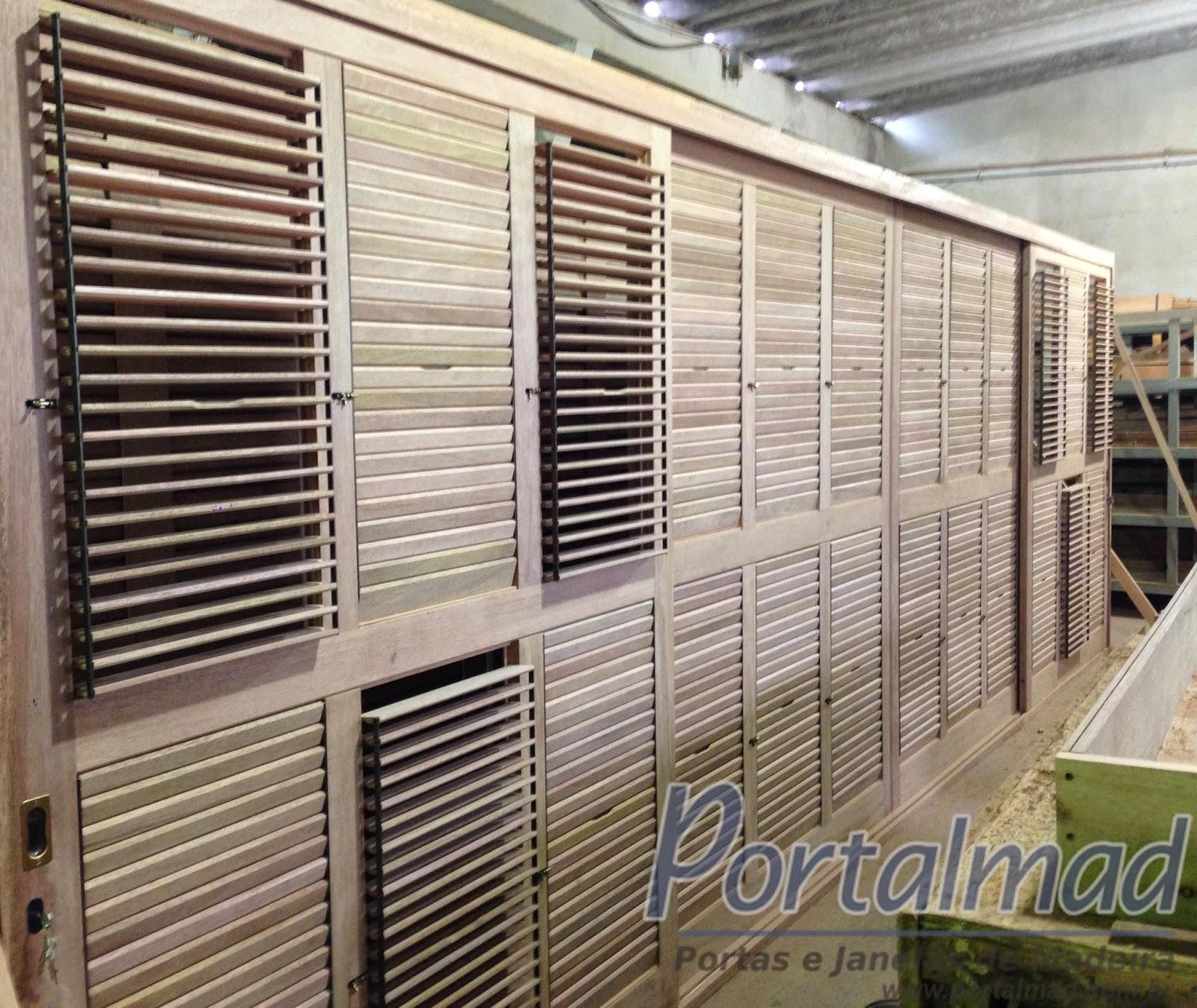 #614A3D cedro ainda na linha de produção e em fase final de acabamento  1202 Portas E Janelas De Madeira Em Uniao Da Vitoria