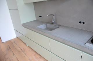 beton cire oberfl chen in beton look beton k che beton cire. Black Bedroom Furniture Sets. Home Design Ideas