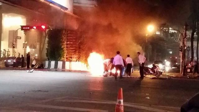 Breaking news: Bangkok Bomb Blast CCTV - Central World