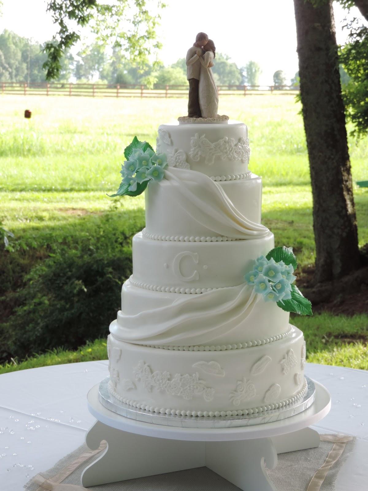 Cakes by Becky Elegant White Wedding Cake