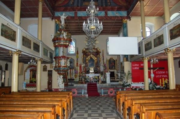 Wnętrze kościoła w Sobieszowie