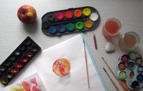 как я рисовала яблоко