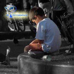 niño triste-violencia-soledad-psicologia infantil
